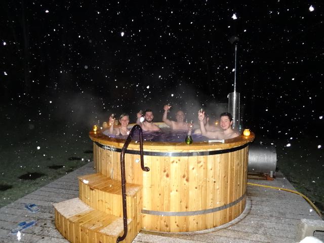 Bain nordique et sauna ext rieur chauff au bois for Chauffe piscine au bois maison