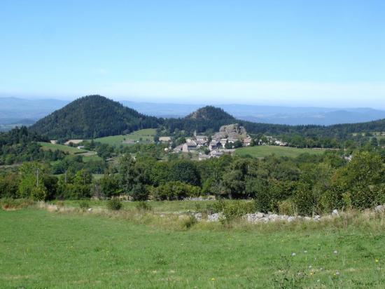 Le village de Queyrières