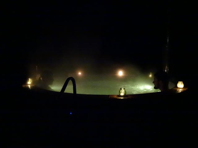 Une séance privée de bain chaud Norvégien en amoureux ...